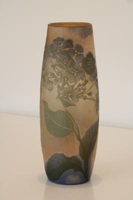 Vase en verre multicouche, signé Emile Gallé - France 19ème