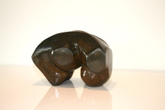 "Sculpture en Bronze à patine brune, signée Umberto MAGGIONI, ""Biomorphe"""