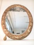Très grand miroir ovale d'époque 18ème